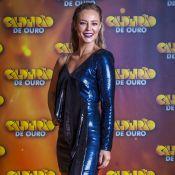 Um ombro só: Paolla Oliveira investe em vestido brilhoso de R$ 4,6 mil. Ao look!