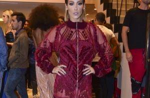 4e332830d Sem lingerie  Luciana Gimenez ousa em vestido com recortes laterais. Veja  look!