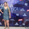 Marília Mendonça brinca com barrigão de Ivete Sangalo: 'Mais bonita que eu'