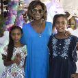 Gloria Maria comemorou o aniversário das filhas, Laura e Maria, no sábado, 16 de dezembro de 2017