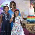 O bolo das filhas de Gloria Maria, Laura e Maria, era de unicórnio