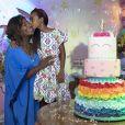 Gloria Maria ganhou um beijo de Maria na festa de aniversário da filha