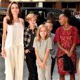 Angelina Jolie quis que os filhos estudassem em casa para administrar as diferenças culturais