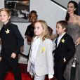 Angelina Jolie e Brad Pitt são pais de Maddox (16 anos), Pax (14), Zahara (12), Shiloh (11) e dos gêmeos Vivienne e Knox (9)
