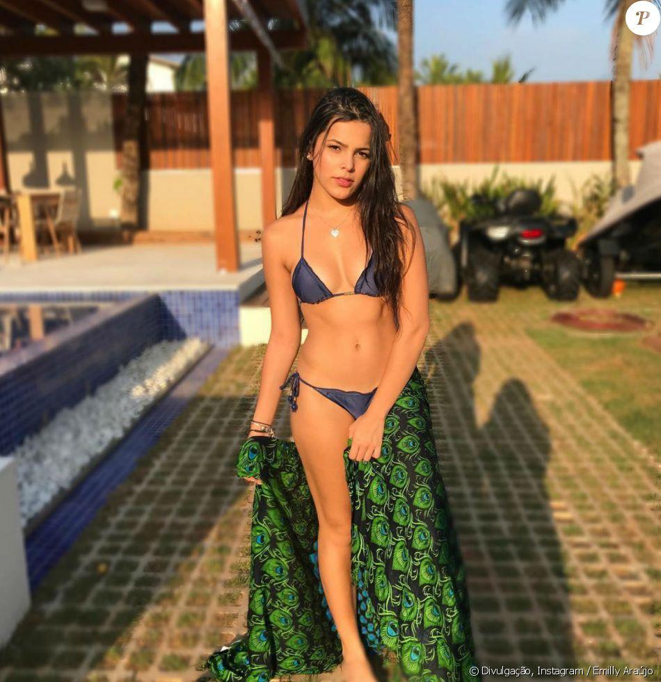 de4e1db76597 Ex-BBB Emilly Araújo dispensou bronzeamento artifical no verão: ' Não foi  uma experiência