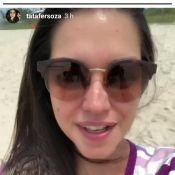 Thais Fersoza vai à praia sem biquíni e pergunta: 'Tem problema ficar de sutiã?'