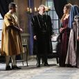 Ao príncipe De Michel, Marion (Helena Fernandes) apresenta Laurinda (Anita Amizo) como sendo Brione (Juliana Didone), no capítulo de segunda-feira, 8 de janeiro de 2018, da novela 'Belaventura'