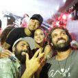 Neymar e Bruna Marquezine posam com Iaponã e Tuca Saltanum
