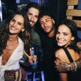 Bruna Marquezine e Neymar se divertiram entre amigos, como Izabel Goulart, na festa