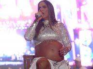 Ivete Sangalo faz show sentada aos 7 meses de gravidez: 'Barriga pesada'. Fotos!