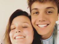 Larissa Manoela reencontra namorado, Leo Cidade, após viagem sem ele: 'Voltou'