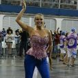 Ellen Rocche, rainha de bateria da Rosas de Ouro, mostrou empolgação na primeira preparação  em ensaio técnico no sambódromo de São Paulo