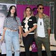 Anitta posa com Clau e Micael, seus novos empresariados