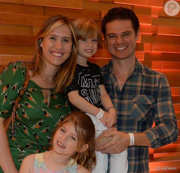 Lorena Queiroz, da novela 'Carinha de Anjo', foi com os pais e o irmão ao cinema, na manhã deste sábado, 13 de janeiro de 2018