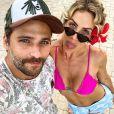 Bruno Gagliasso e Giovanna Ewbank comemoram 10 milhões de seguidores no Instagram do ator