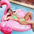 Giovanna Ewbank exibe boa forma de biquíni em dia de piscina