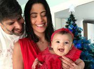 Carol Castro batiza a filha, Nina, em cerimônia com Padre Fábio de Melo