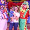 Filho caçula de Kelly Key, Artur esbanja fofura em dia de circo: 'Apaixonado!'