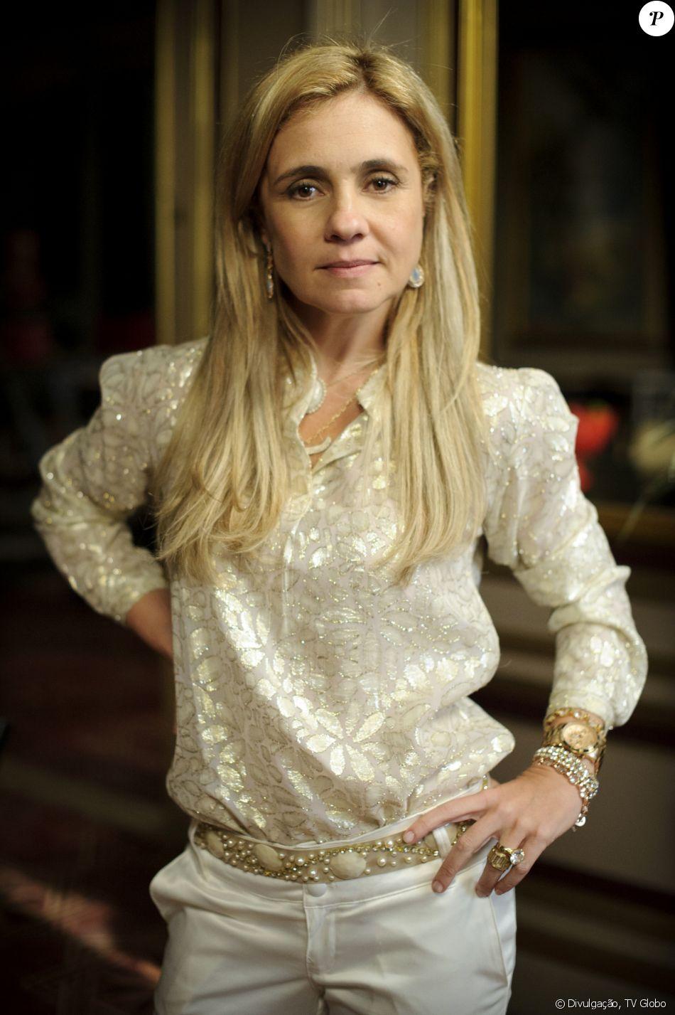 Adriana Esteves será uma nova Carminha na novela 'Segundo Sol', de João Emanuel Carneiro
