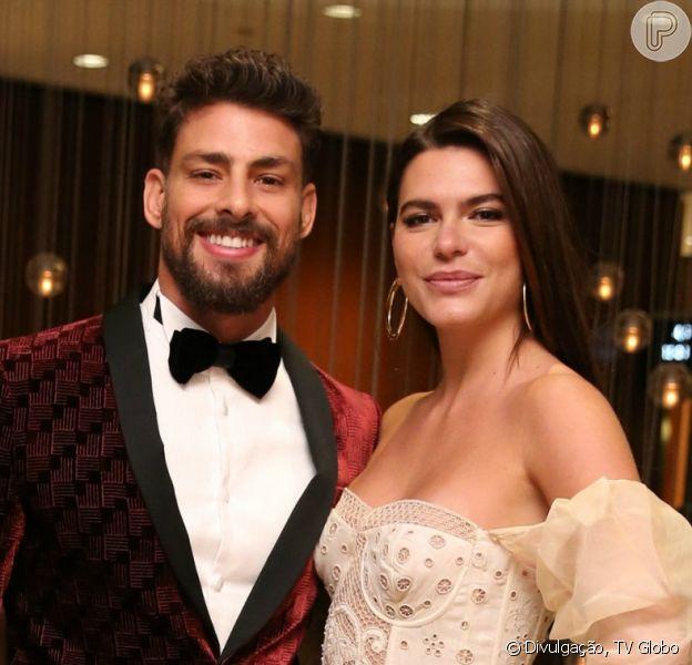 Cauã Reymond e Mariana Goldfarb estão separados, informa o colunista Ancelmo Gois, do jornal 'O Globo', nesta segunda-feira, 15 de janeiro de 2018. Namoro durou cerca de 2 anos