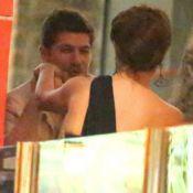 Novo casal? Caio Paduan e Mayana Neiva trocam carinhos em jantar. Veja fotos!