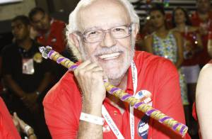Ney Latorraca deixa CTI, está acordado, mas ainda não há previsão de alta