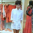 Julia Dalavia conta se inspirar nos looks das personagens para se vestir no dia a dia