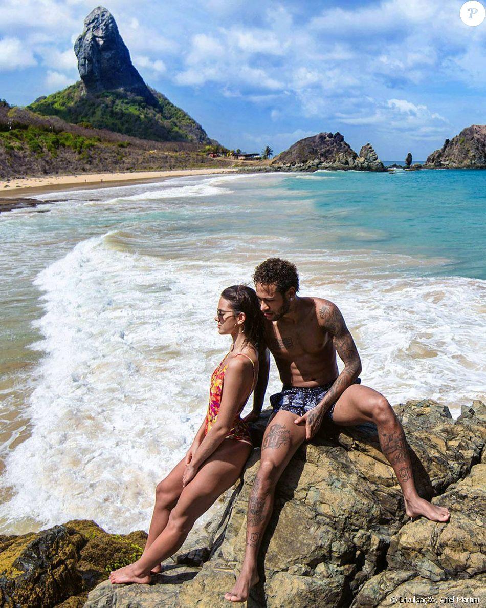 Neymar exibe tatuagem igual de Bruna Marquezine