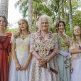 Vera Holtz ao lado de suas filhas na novela 'Orgulho e Paixão', Nathalia Dill, Pâmela Tomé, Anajú Dorgion, Bruna Griphão e Chandelly Braz