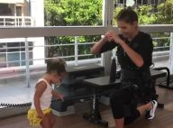 Deborah Secco e Hugo Moura levam a filha em dia de treino: 'Vai, Maria'. Vídeo!