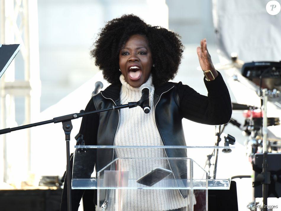 Viola Davis participou da marcha pelas mulheres em Los Angeles, nos Estados Unidos, no sábado, 20 de janeiro de 2018