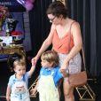Regiane Alves levou os filhos, João Gabriel, de 3 anos, e Antonio, de 2