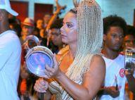 Viviane Araujo toca tamborim com bateria do Salgueiro em ensaio no Rio. Fotos!