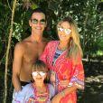 Junto da filha, Rafalla Justus, Ticiane Pinheiro desejou boa sorte ao marido por estreia no 'Jornal Nacional': 'Desejamos que você brilhe muito hoje à noite e estamos aqui com você para mandar todas as energias positivas. Amamos você'
