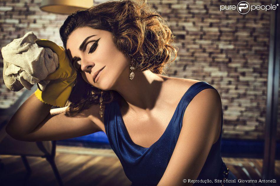 51e01dbf8 Giovanna Antonelli posou fazendo atividades domésticas para o fotógrafo