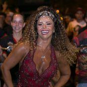 Carnaval do Rio: de peruca, Viviane Araujo samba em ensaio do Salgueiro. Fotos!