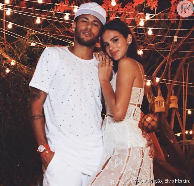 Neymar comentou as cenas quentes de Bruna Marquezine com José Fidalgo na novela 'Deus Salve o Rei'