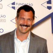 Malvino Salvador divide opiniões ao adotar bigode para novela:'Dizem para tirar'