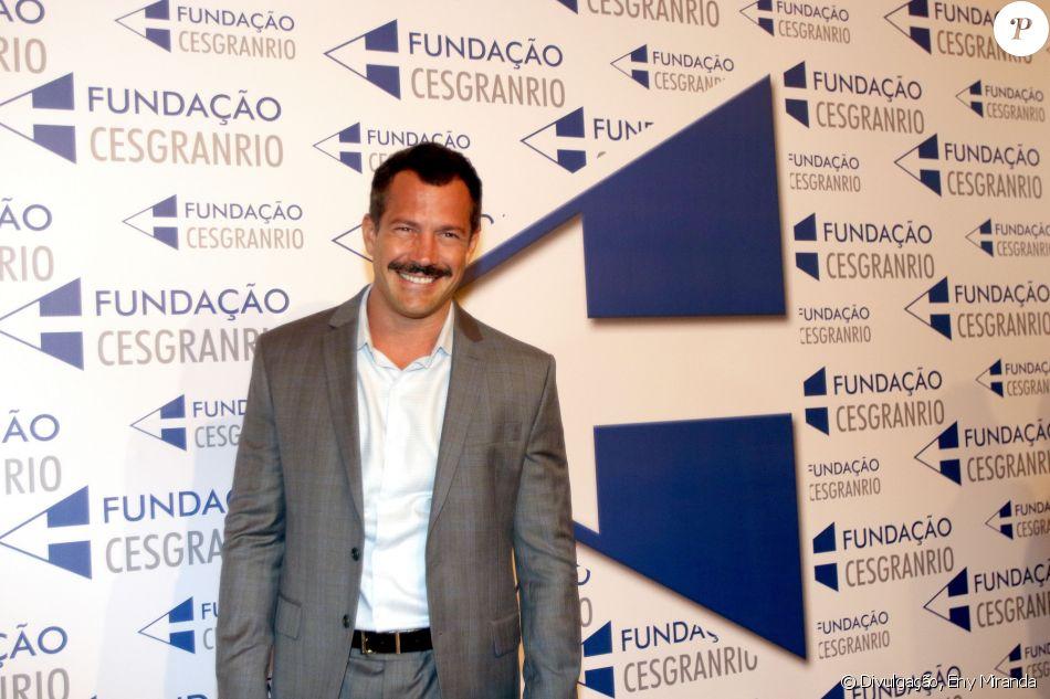 Malvino Salvador dividiu opiniões ao adotar bigode para novela 'Orgulho e Paixão', afirma ao Purepeople: 'Dizem para tirar'
