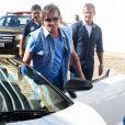 Roberto Carlos chega a cruzeiro em Lamborghini branca, uma de suas queridinhas