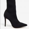 A bota de cano médio usada por Juliana Paes é vendida pela Le Lis Blanc por R$ 799,90