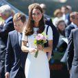 Durante uma visita ao Museu Nacional Marítimo, no distrito de Greenwich, no Reino Unido, Kate Middleton apareceu com um vestido de liquidação.