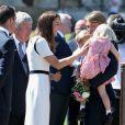 Kate Middleton aposta em vestido de liquidação durante evento em Londres