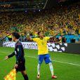 Neymar comemora gol em estreia da Seleção na Copa do Mundo 2014
