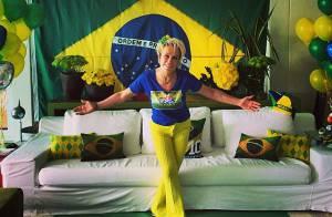 Ana Maria Braga capricha na decoração para assistir jogo do Brasil com amigos