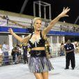 Ana Hickmann gesticula muito durante seu samba