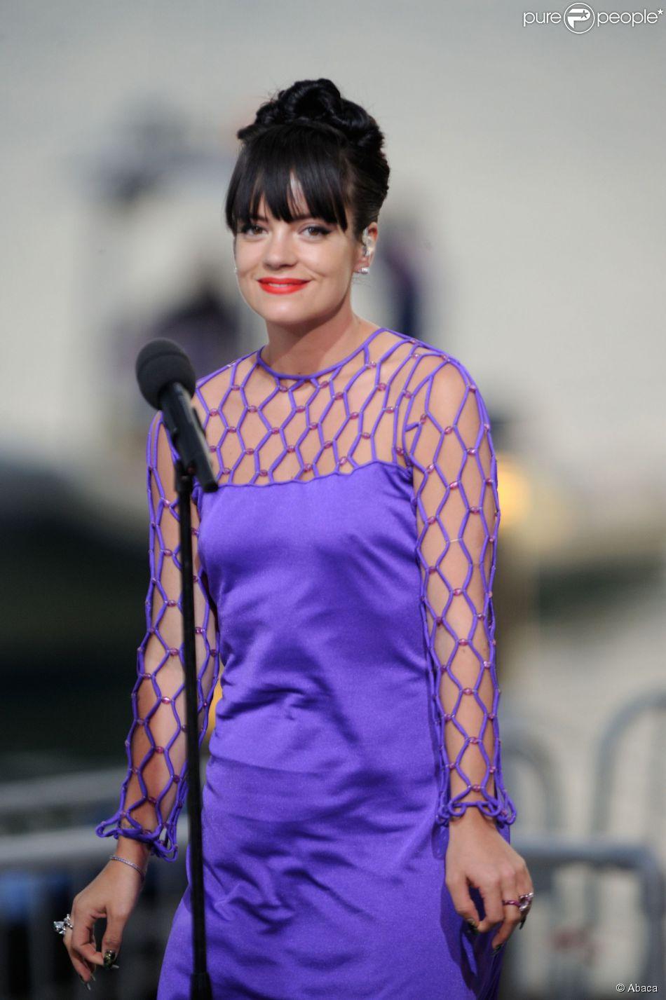 Lily Allen está no iate Topaz, o mesmo que Leonardo Di Caprio está hospedado
