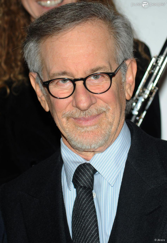 Steven Spielberg também está hospedado no luxuoso iate Topaz