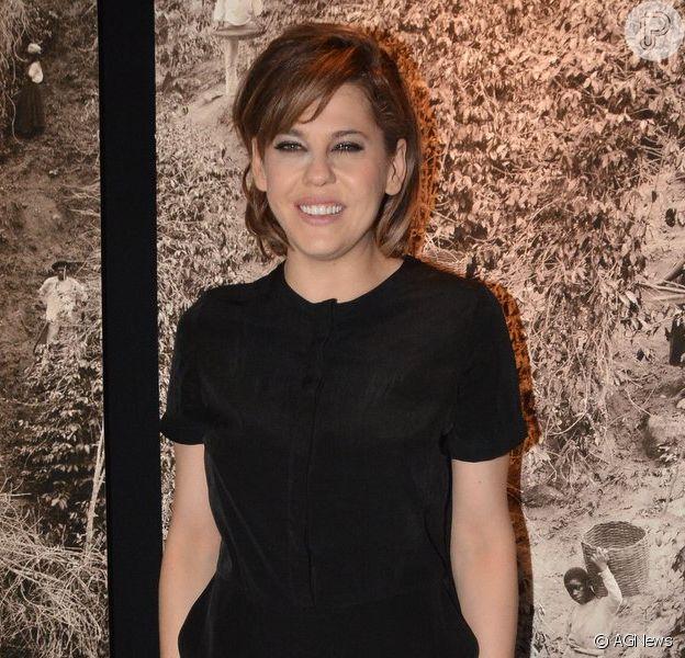 No ar com 'O Caçador', Bárbara Paz fala sobre cenas de sexo: 'Não vejo problema'