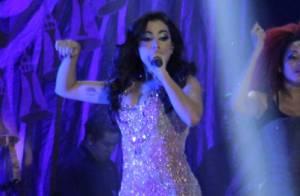 Anitta recebe Preta Gil e famosos em show de lançamento de DVD no Rio